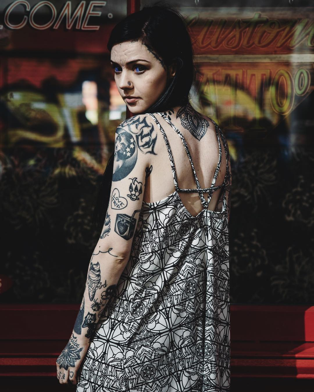 A Tattoo-Covered Alien Beauty Who Will Blow Your Mind 12