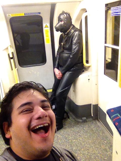 28 Personas Extrañas en el Metro