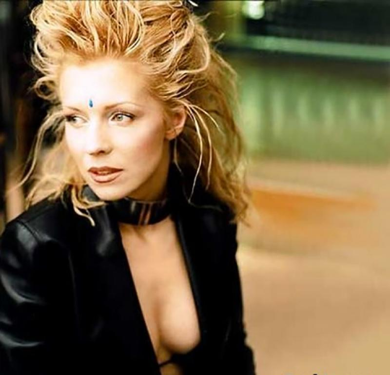 10-most-gorgeous-90s-crushes-02