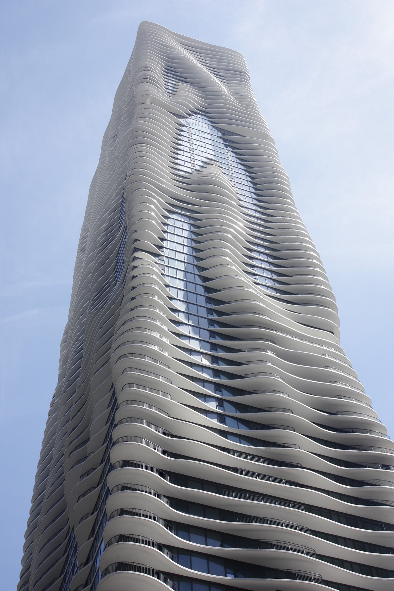 top-9-skyscrapers-that-push-the-limits-of-design-06