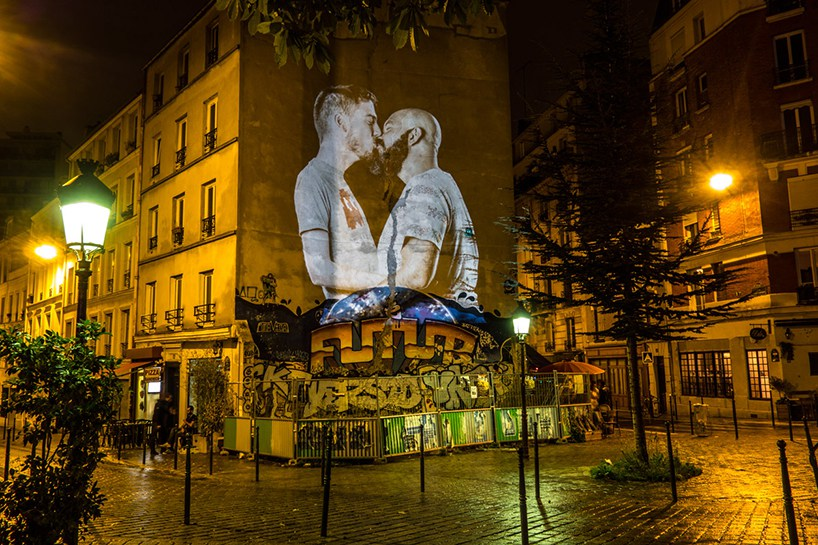 portraits-of-love-birds-kissing-in-the-streets-of-paris-04