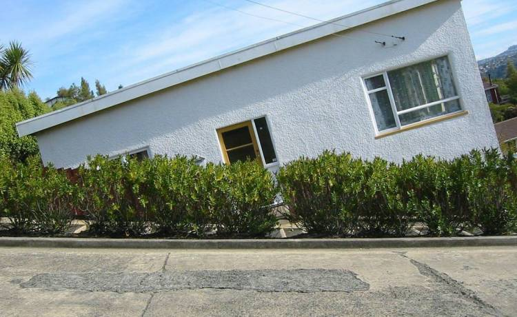 crooked-houses-5