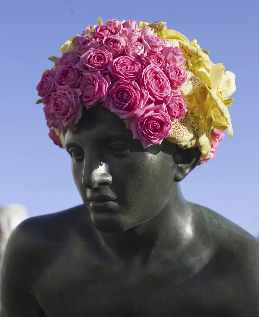 geoffroy-mottart-statues-flower-crowns-beards-02