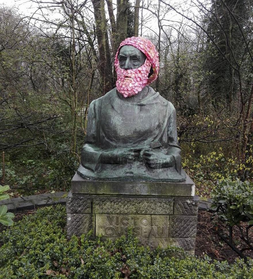 geoffroy-mottart-statues-flower-crowns-beards-10