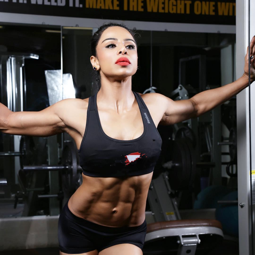 indian-fitness-instagram-5-shweta-rathore-1