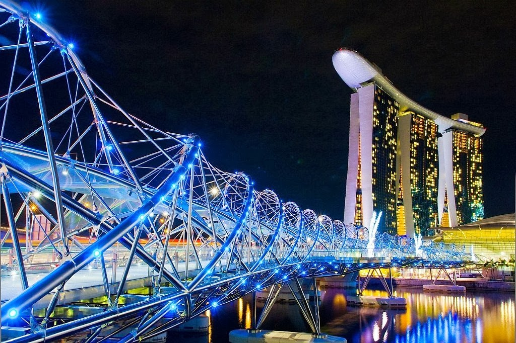 1. Helix Bridge, Marina Bay area, Singapore 1