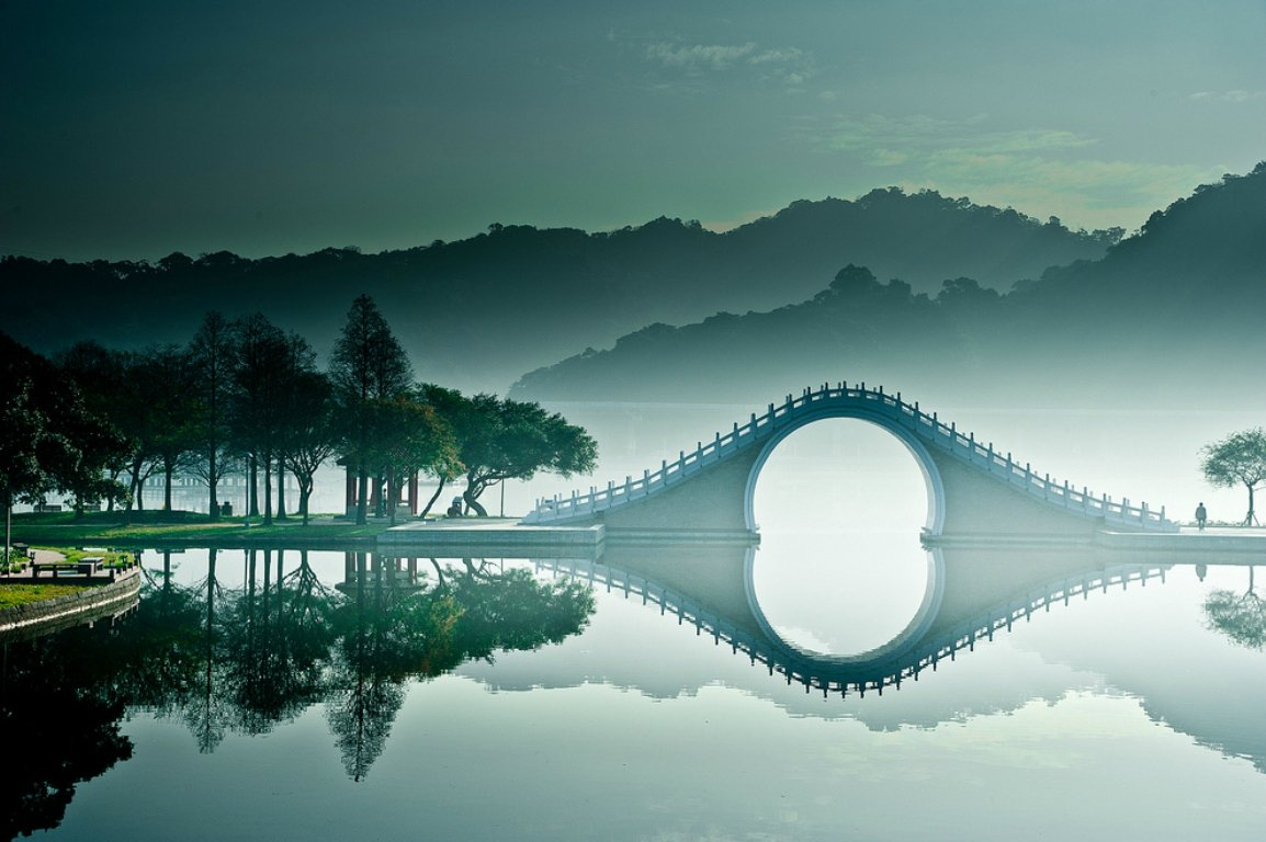 10. The Moon Bridge, Taipei, Taiwan 3