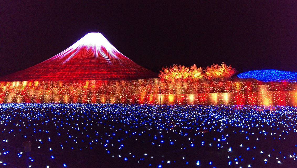 Japan's Glimmering Tunnel of Lights — Spectacular Winter Illuminations 7