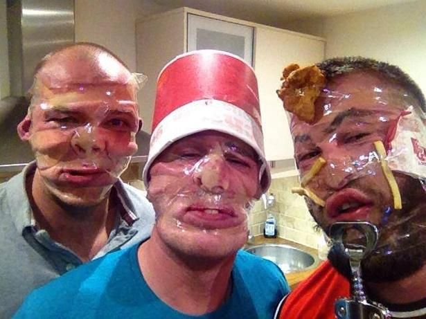 17 Selfies That Went To The EXTREME 1