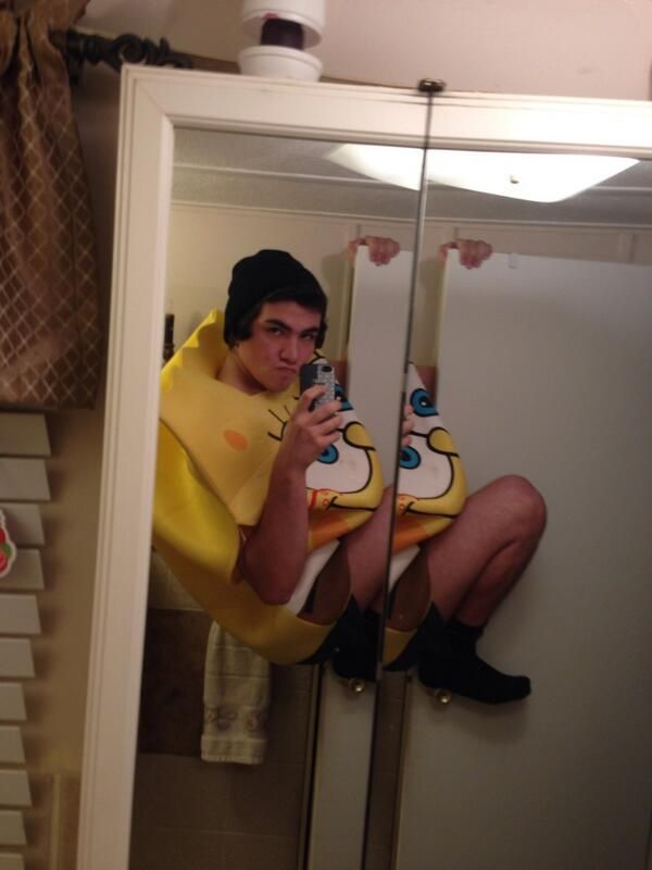 17 Selfies That Went To The EXTREME 14