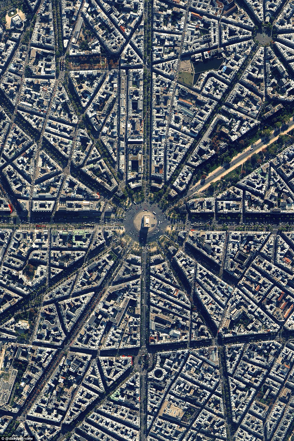 1. Arc de Triomphe, Paris, France