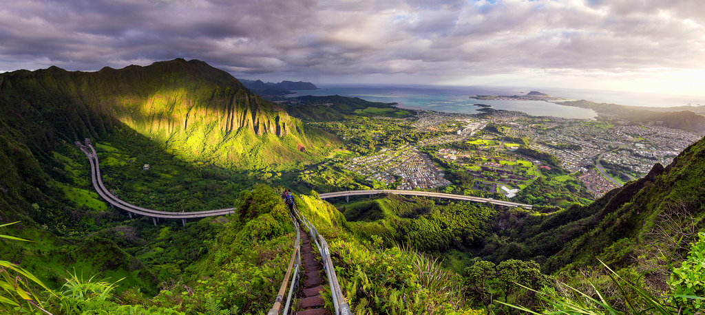 15) Bonus! Haiku Stairs (Stairway To Heaven) in Hawaii 2