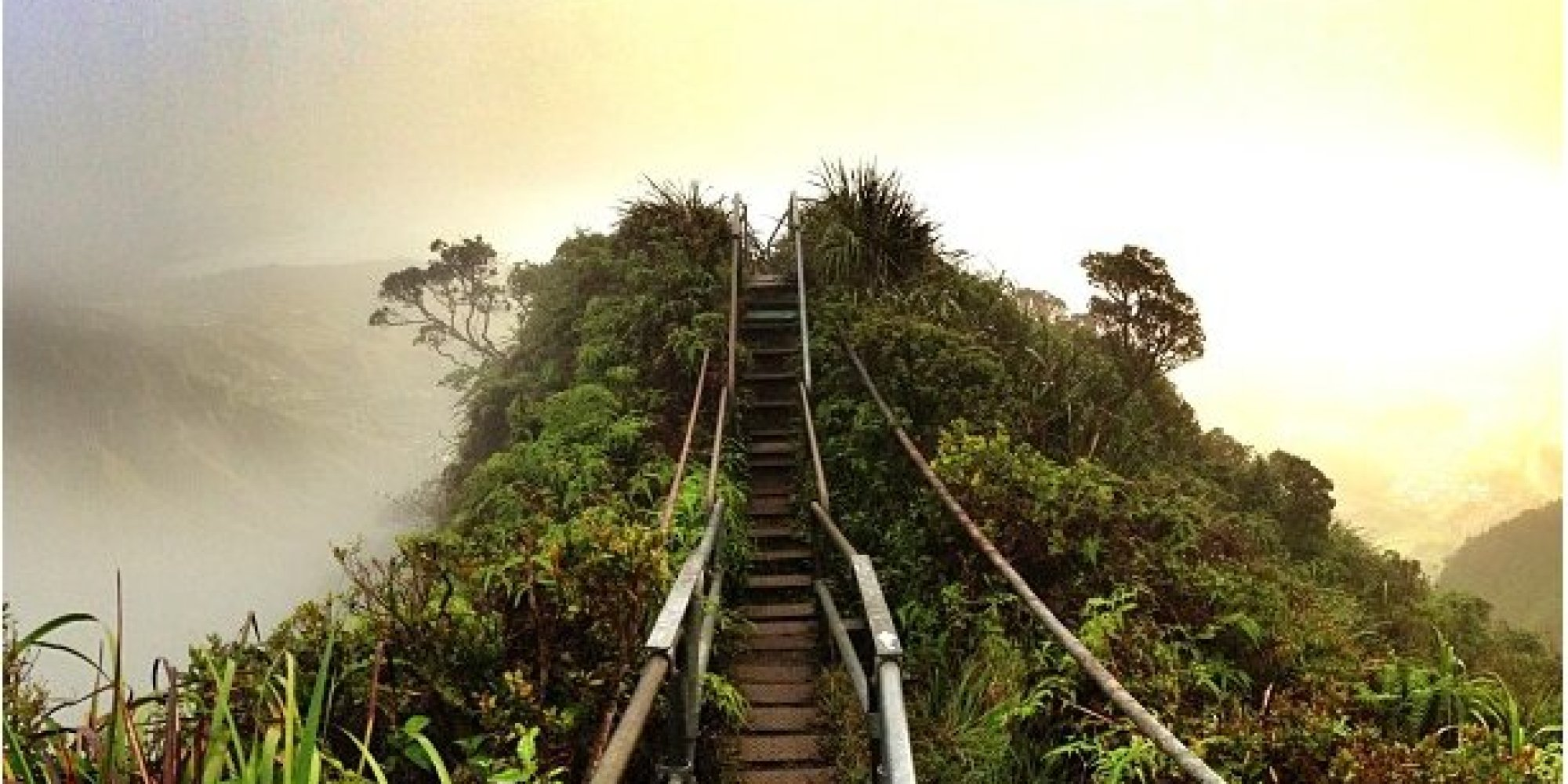 15) Bonus! Haiku Stairs (Stairway To Heaven) in Hawaii 4
