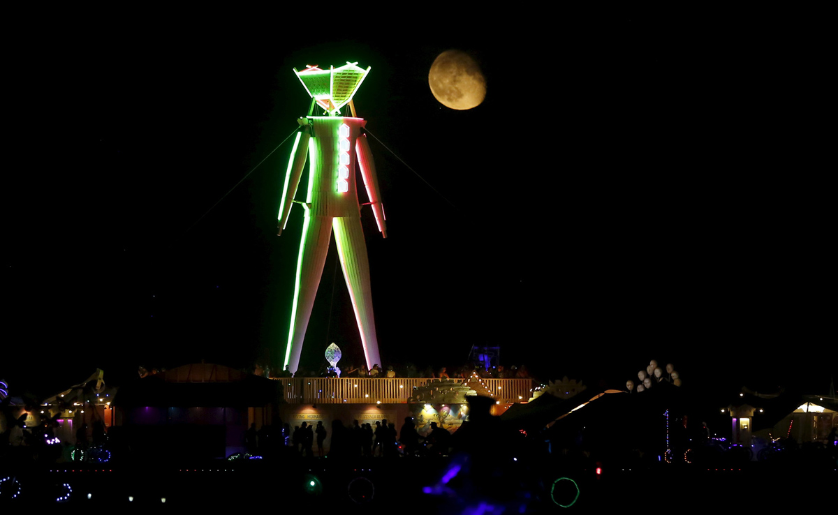 See Crazy, Surreal Photos and Videos from Burning Man 2015 22