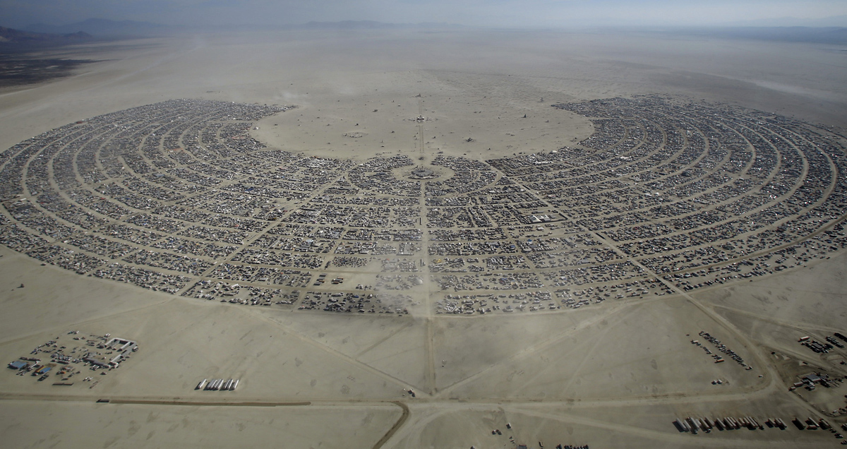 See Crazy, Surreal Photos and Videos from Burning Man 2015 8
