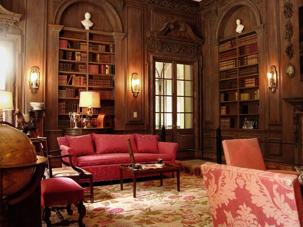 8. President Snow's House, Hunger Games 2