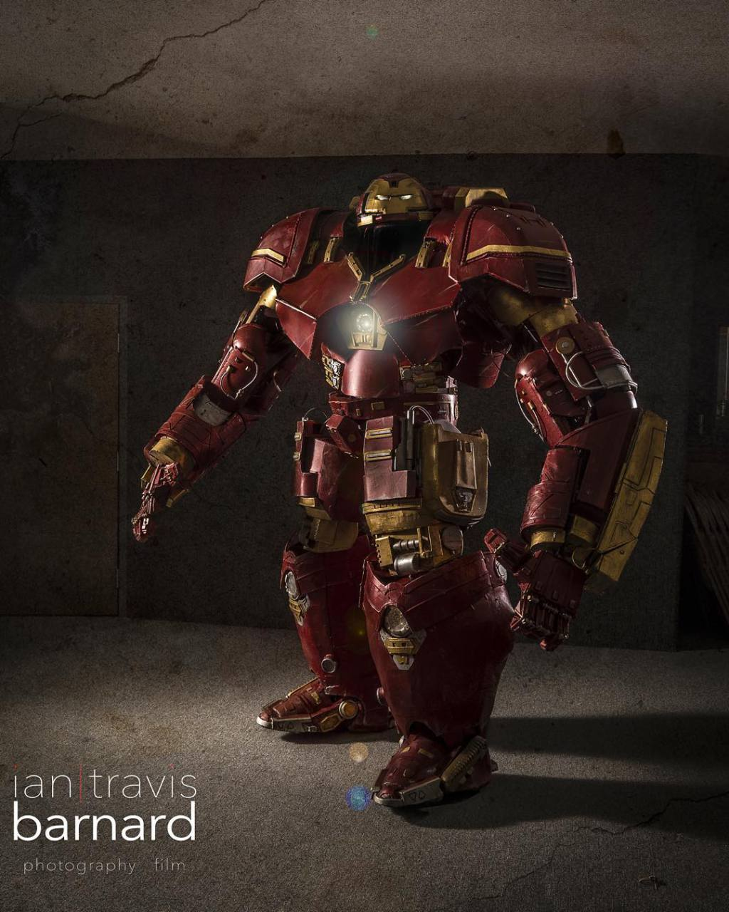 This Hulkbuster Costume Is The Most Realistic Cosplay Of All Time 4