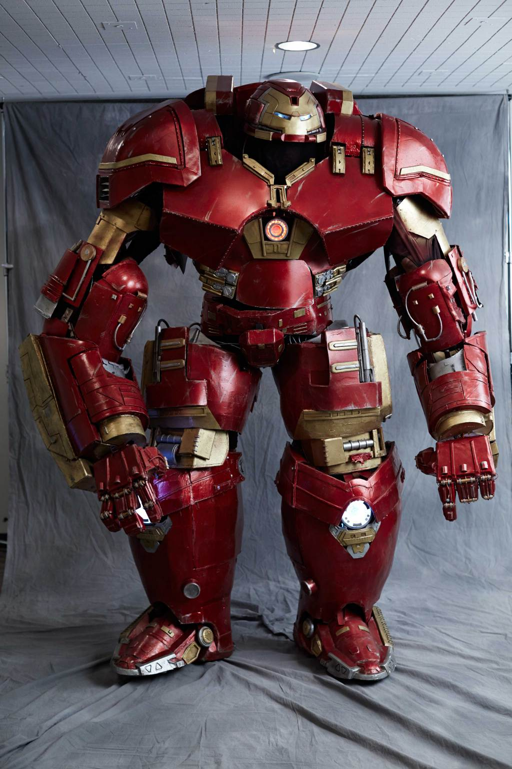 This Hulkbuster Costume Is The Most Realistic Cosplay Of All Time 6