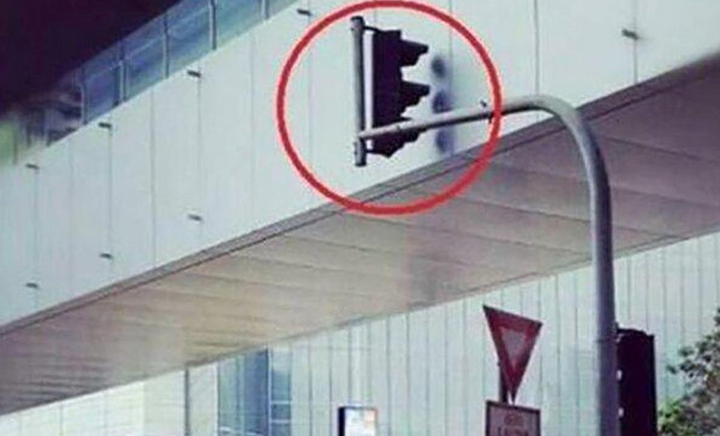 22 Head-Scratching Construction Fails! 16