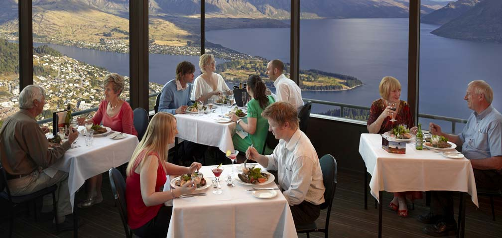25 World's Best Restaurant Views 22