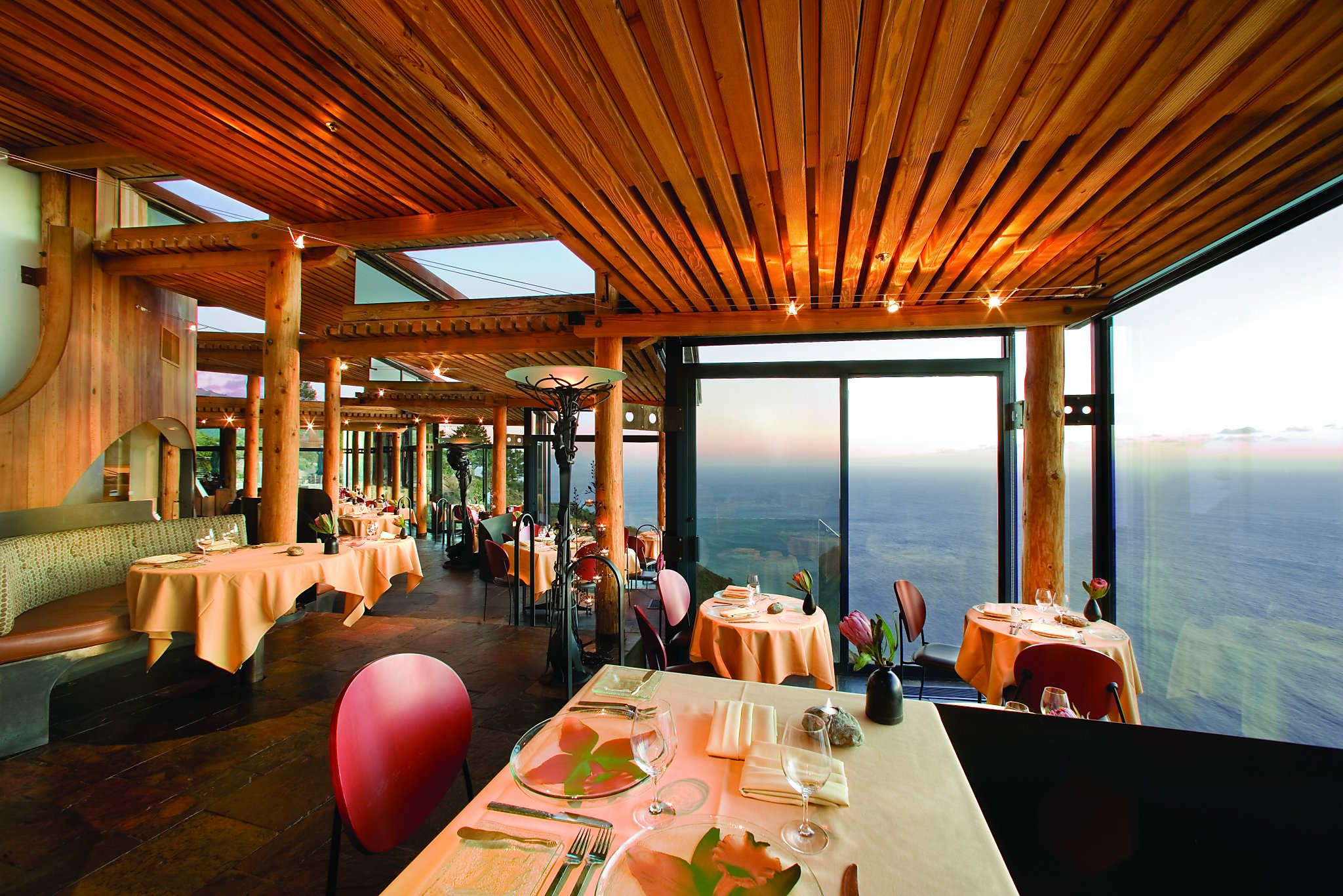 25 World's Best Restaurant Views 26