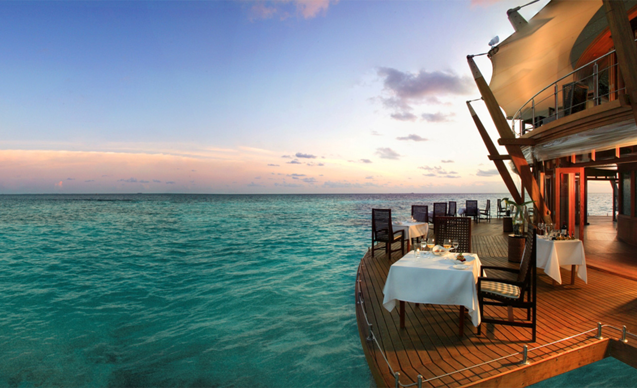25 World's Best Restaurant Views 29