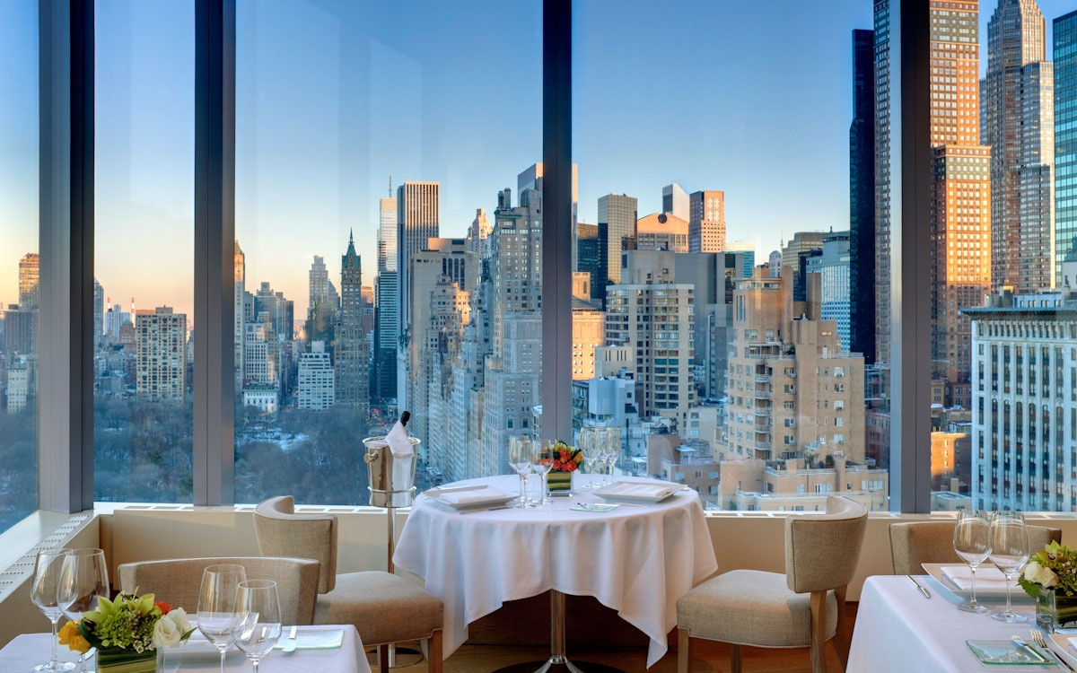 25 World's Best Restaurant Views 32