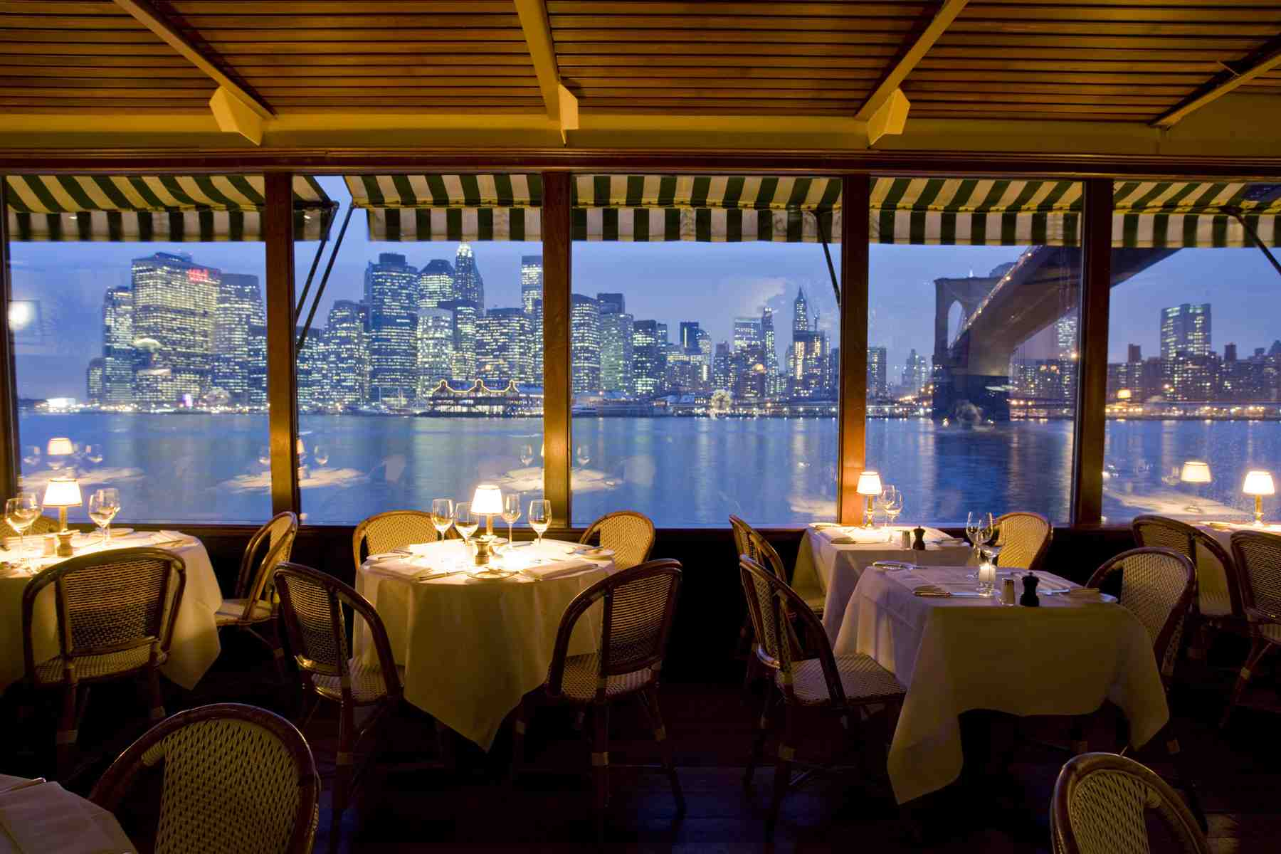 25 World's Best Restaurant Views 39