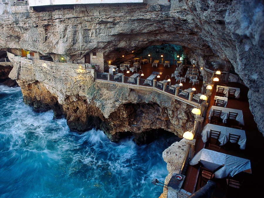 25 World's Best Restaurant Views 46