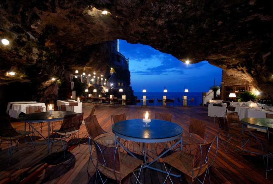 25 World's Best Restaurant Views 47