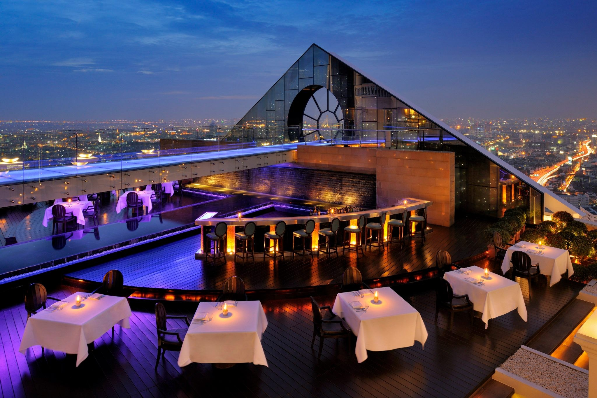 25 World's Best Restaurant Views 66