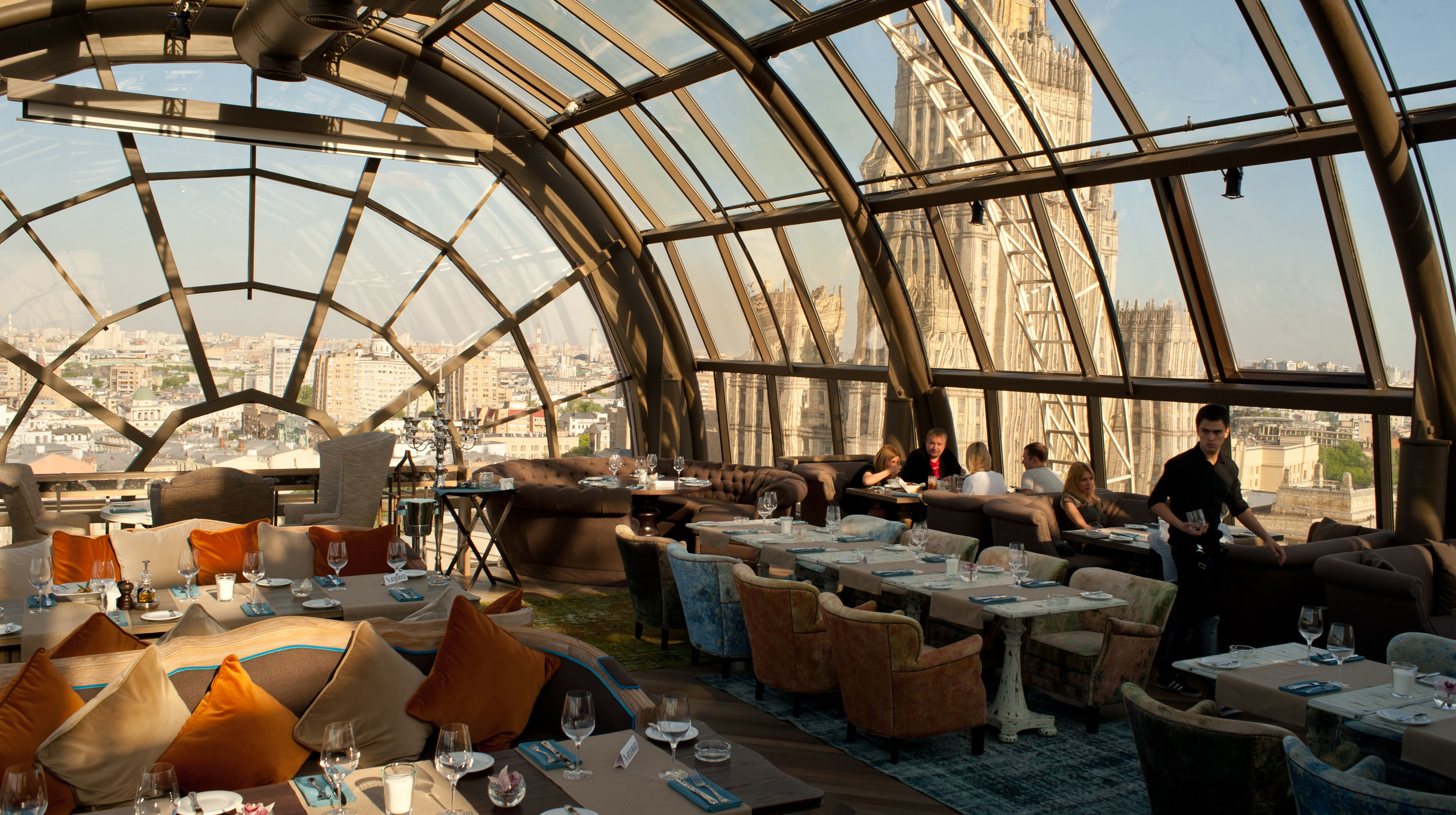25 World's Best Restaurant Views 89