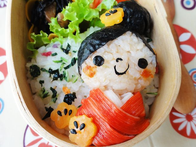 Creative and Interesting Bento Boxes 11