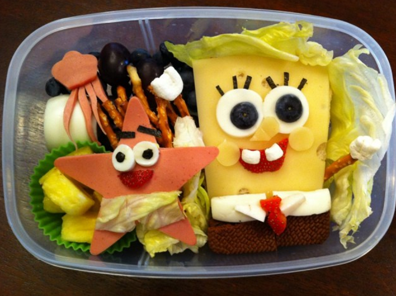 Creative and Interesting Bento Boxes 23