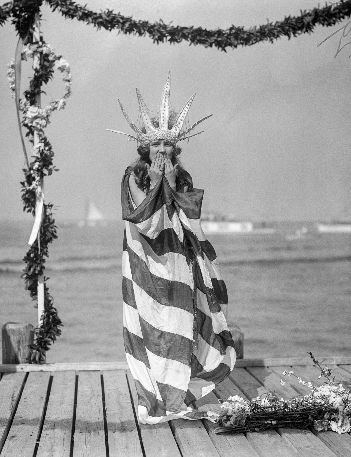 "07 Sep 1922, Atlantic City, New Jersey, USA --- Original caption: Atlantic City, N. J.: Miss Margaret Gorman of Washington, D. C., who last year was crowned as ""Miss America"" Queen of Beauty, in her royal robes. she was pictured as she awaited the arrival of ""King Neptune"" on his royal barge, marking the opening of the great Pageant of Beauty. --- Image by © Bettmann/CORBIS"