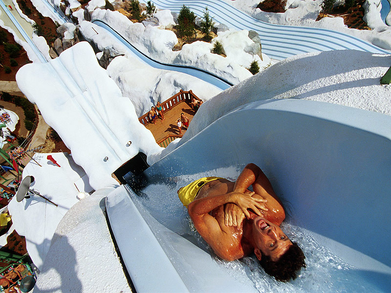 15 The Most Extreme Water Slides In The World 》 Brain Berries