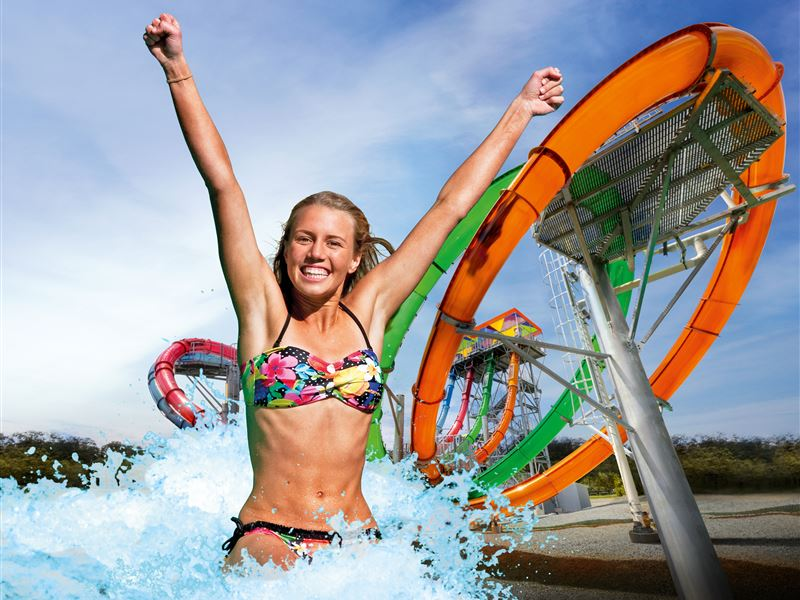 15_most_extreme_water_slides_in_the_world_02