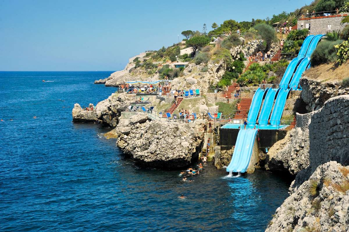15_most_extreme_water_slides_in_the_world_08