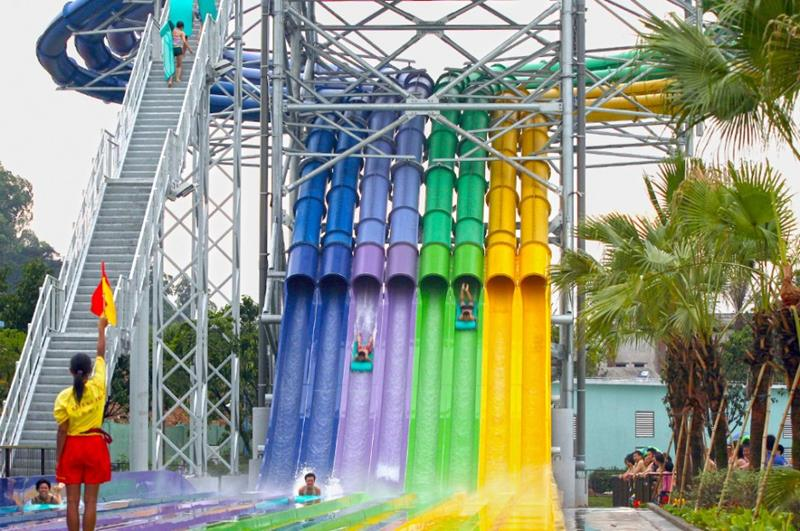 15_most_extreme_water_slides_in_the_world_11