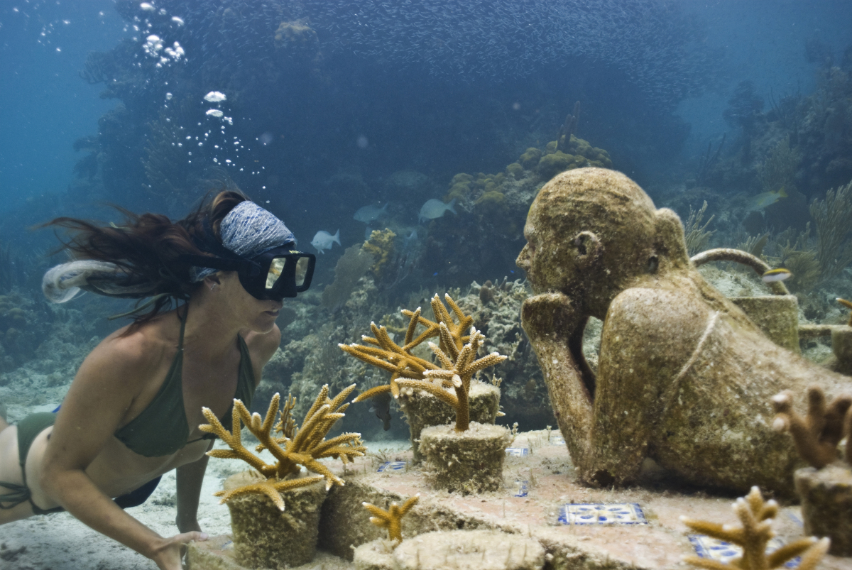astonishing_underwater_museum_in_cancun_mexico_14