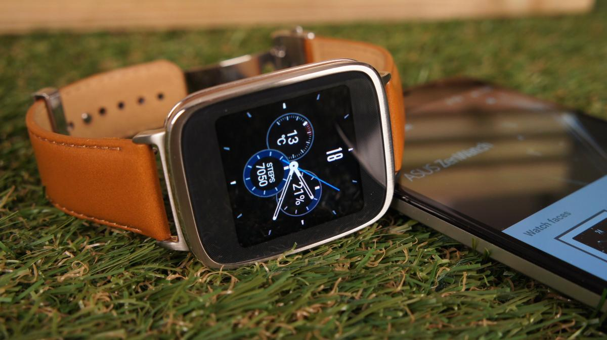 should-you-pick-up-apple-smartwatch-samsung-gears2-or-04