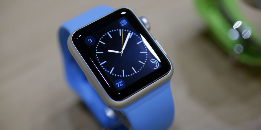 should-you-pick-up-apple-smartwatch-samsung-gears2-or-06