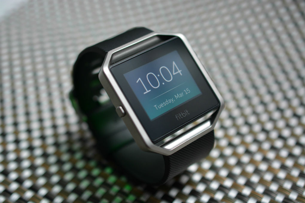 should-you-pick-up-apple-smartwatch-samsung-gears2-or-10