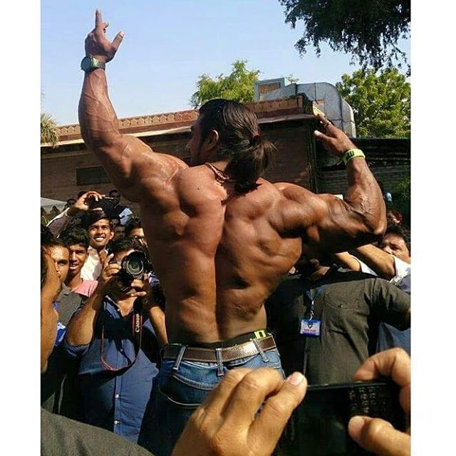 the-5-most-bulked-up-indian-bodybuilders-10