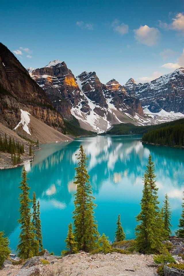 14-most-gorgeous-lakes-on-the-planet-030