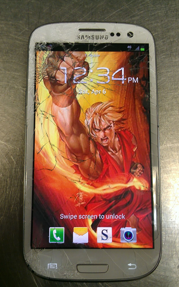 creative-wallpapers-to-cover-up-your-cracked-phone-screen-13