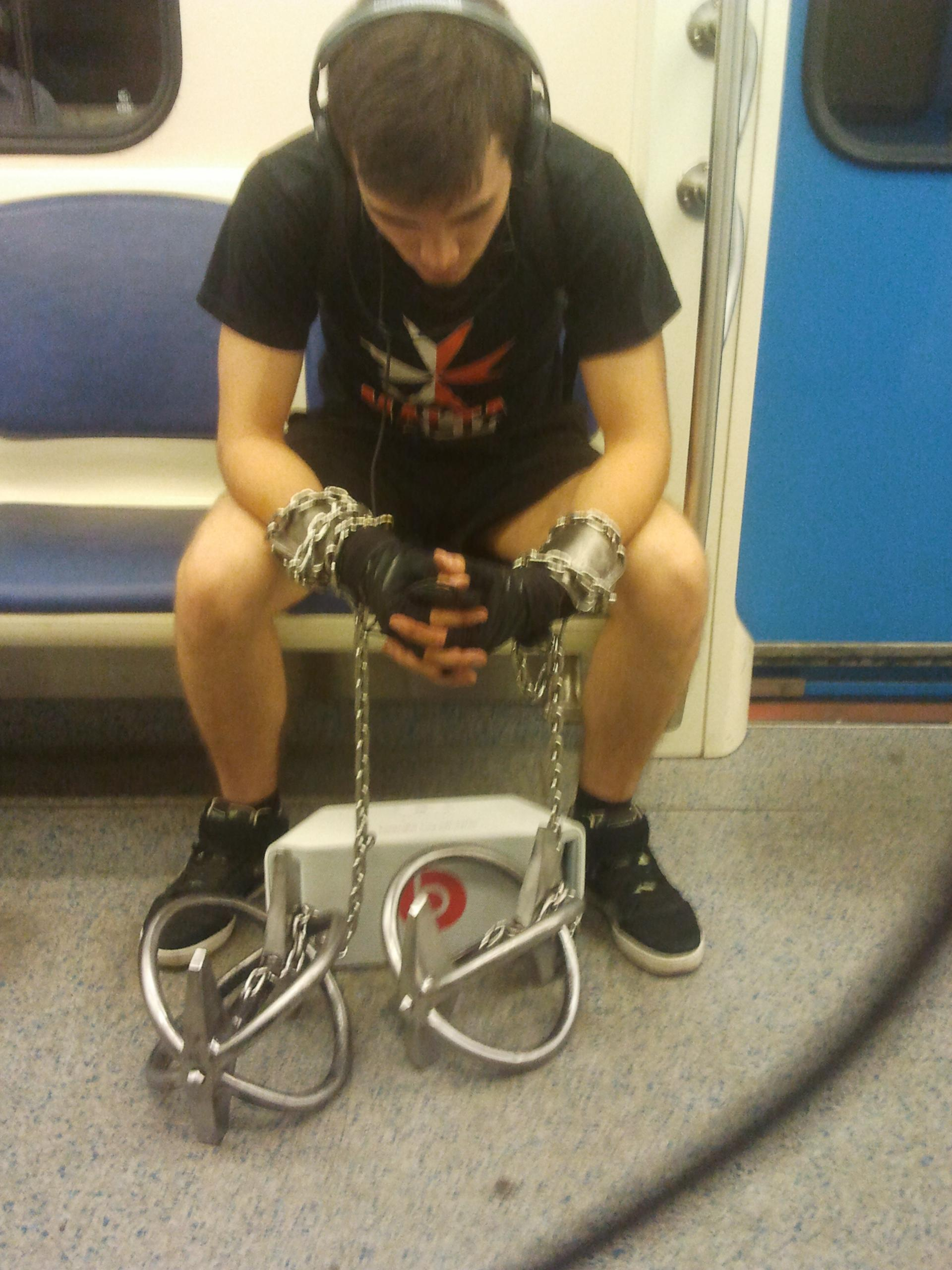 exceptionally-bizarre-subway-people-16