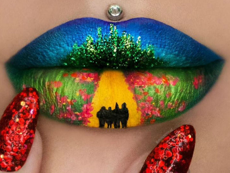 makeup-artist-uses-her-lips-as-a-canvas-for-miniature-masterpieces-11