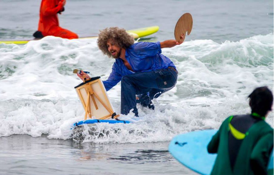 annual-surf-costume-contest-in-santa-monica-ca-01