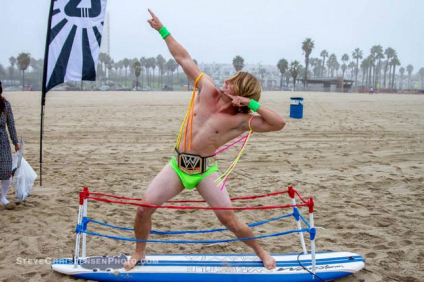annual-surf-costume-contest-in-santa-monica-ca-09
